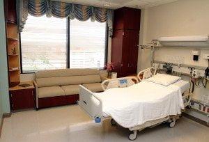 Dolu hasta odası temizliği